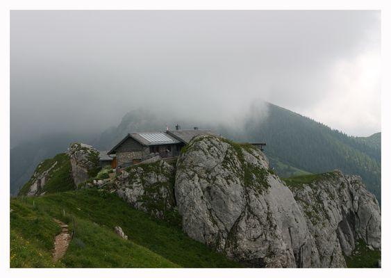 Kissinger Hütte im Nebel