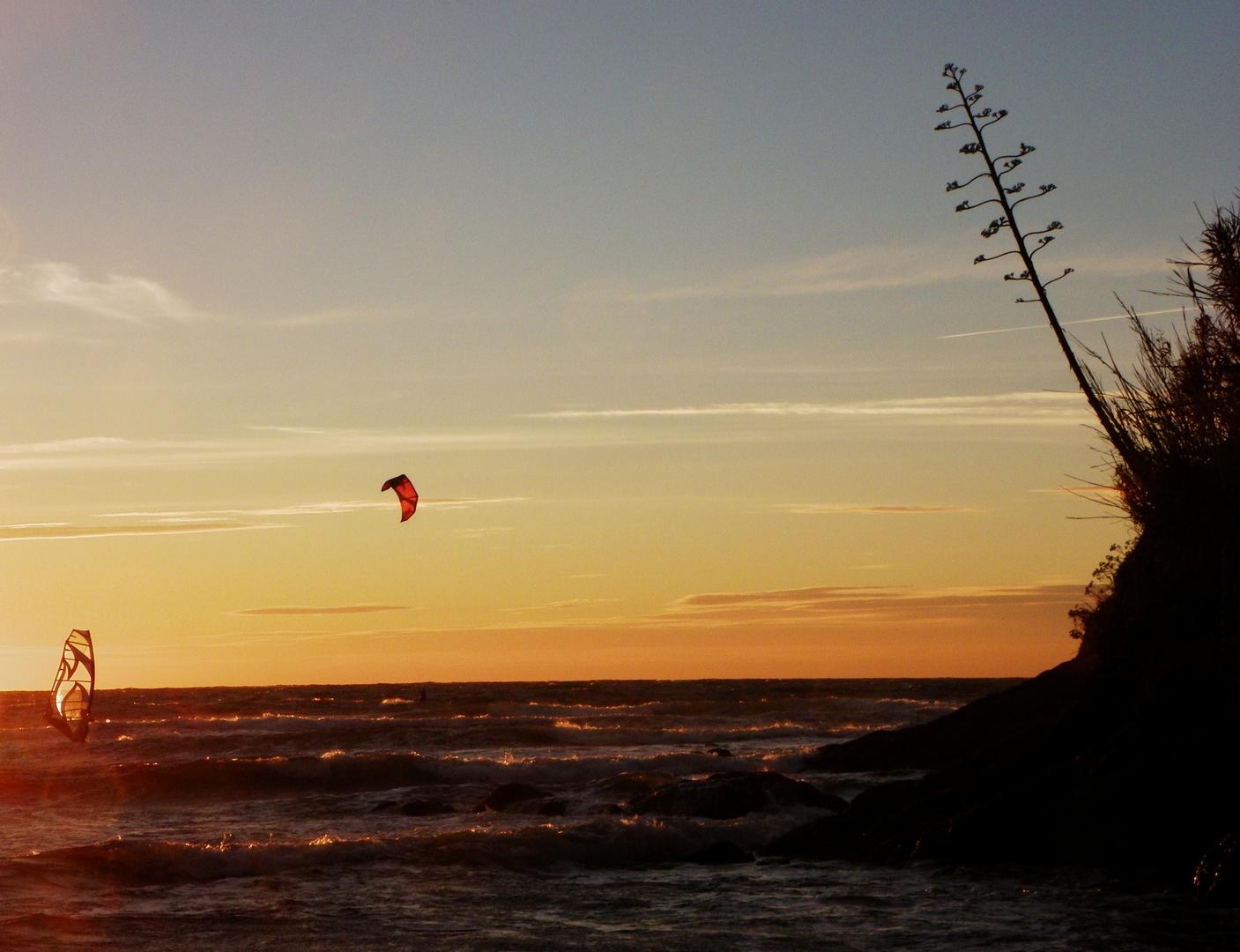 kite au coucher du soleil