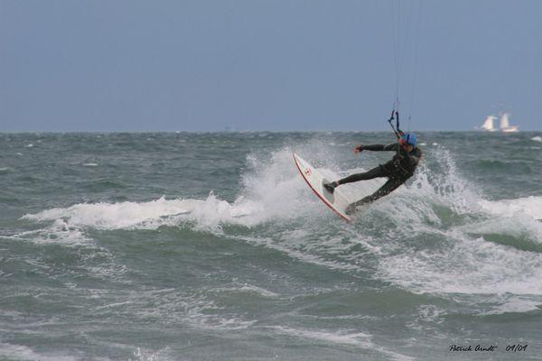 -----> Kite-Surfer <-----