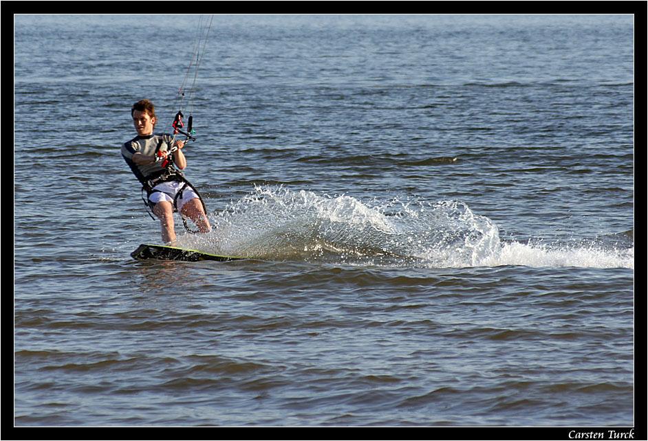 ~ kite-surfin' ~