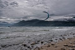 Kitesurf sul lago