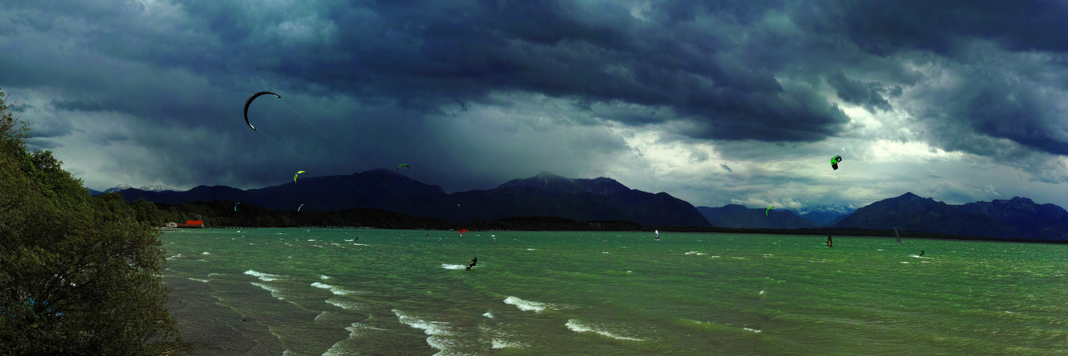 Kitesurfer am Chiemsee
