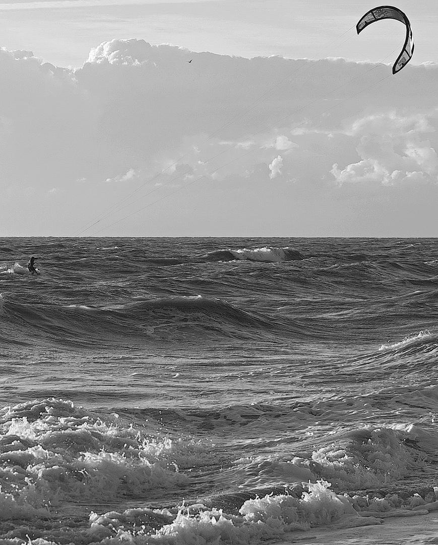 Kitesurfer vor Granville - 2