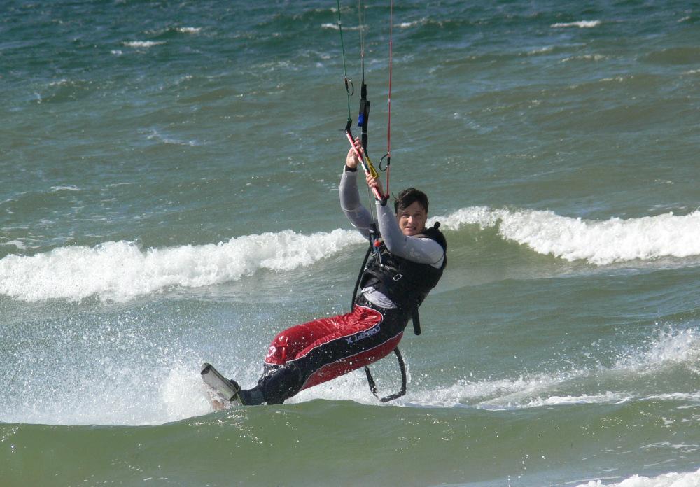 Kitesurfer vor Strukkamp auf Fehmarn