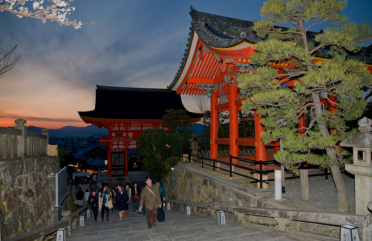 Kiyomizu-dera Temple by night