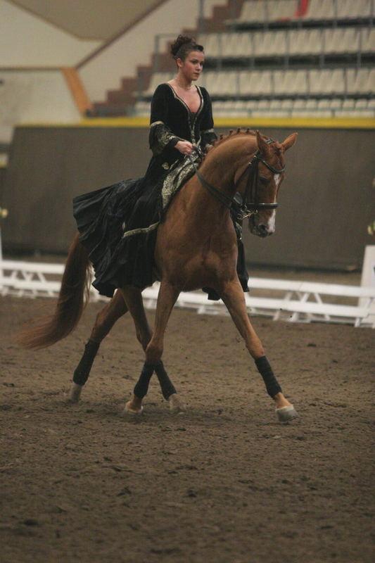 Kjur, Dressurmeisterschaft junge Reiter in Moskau 2