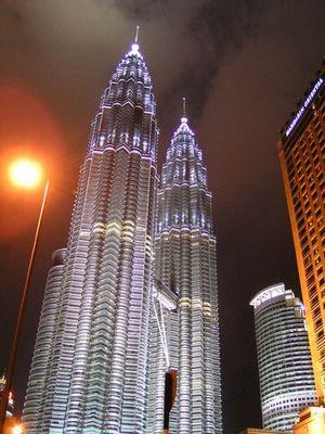 KL - Twin Towers bei Nacht