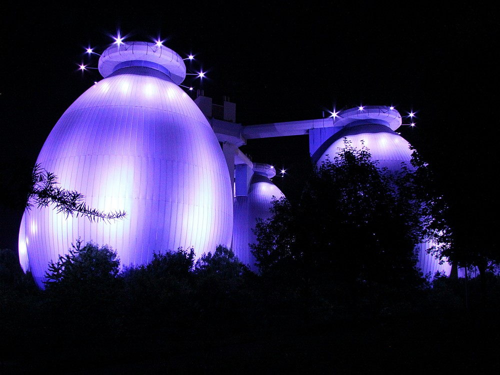 Kläranlage von Bottrop bei Nacht