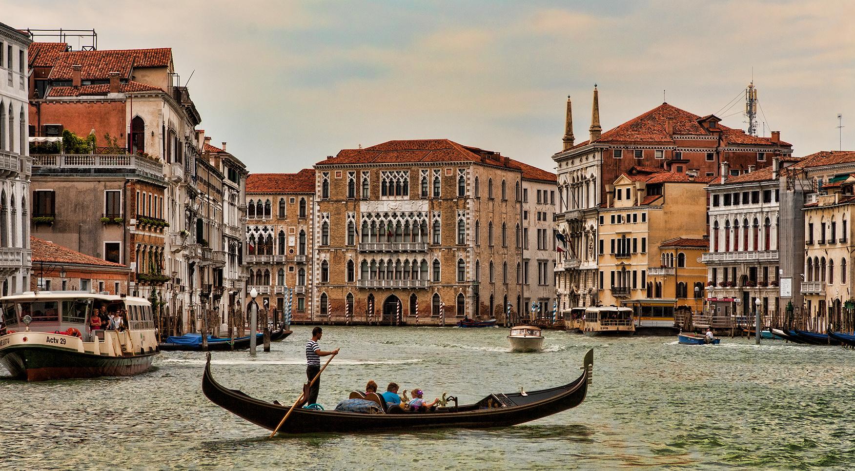klassisch - Gondel auf dem Canal Grande