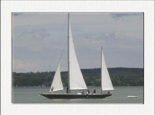 Klassische Segelyacht auf dem Ammersee
