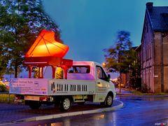 Klavier im Regen