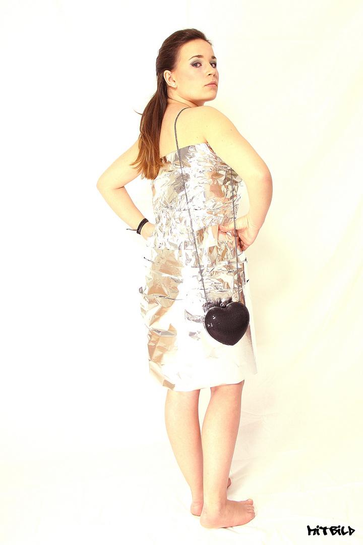 Kleid aus Alu