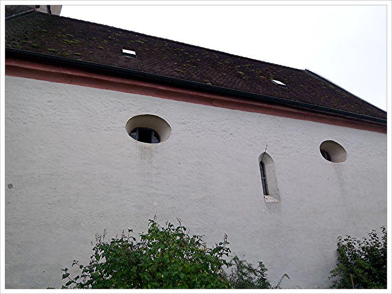 Kleine Fenster zum Schutz