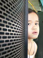 Kleine Filippina träumt