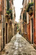 Kleine Seitengasse in Venedig