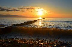 Kleine Wellen am Strand von Hiddensee