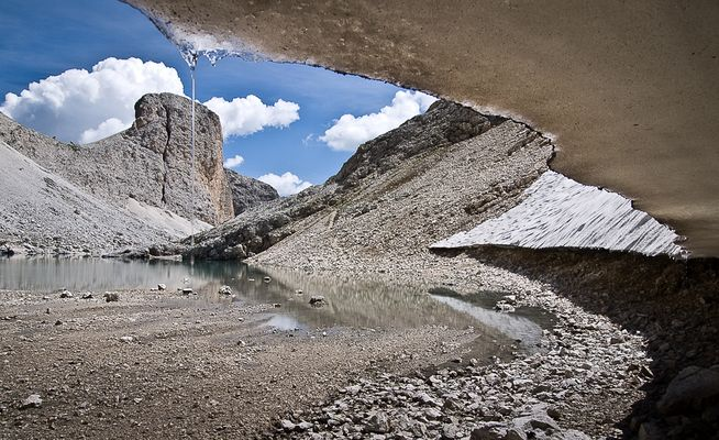 Kleiner Bergsee in den Dolomiten