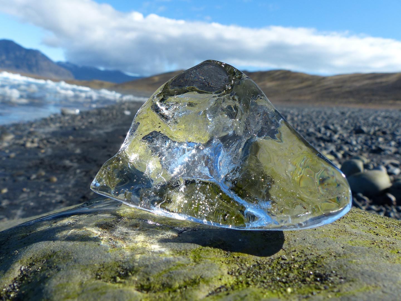 kleiner Eisberg am Jögulsarlon Lagoon