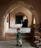 Kleiner Junge im Kloster Arkadi