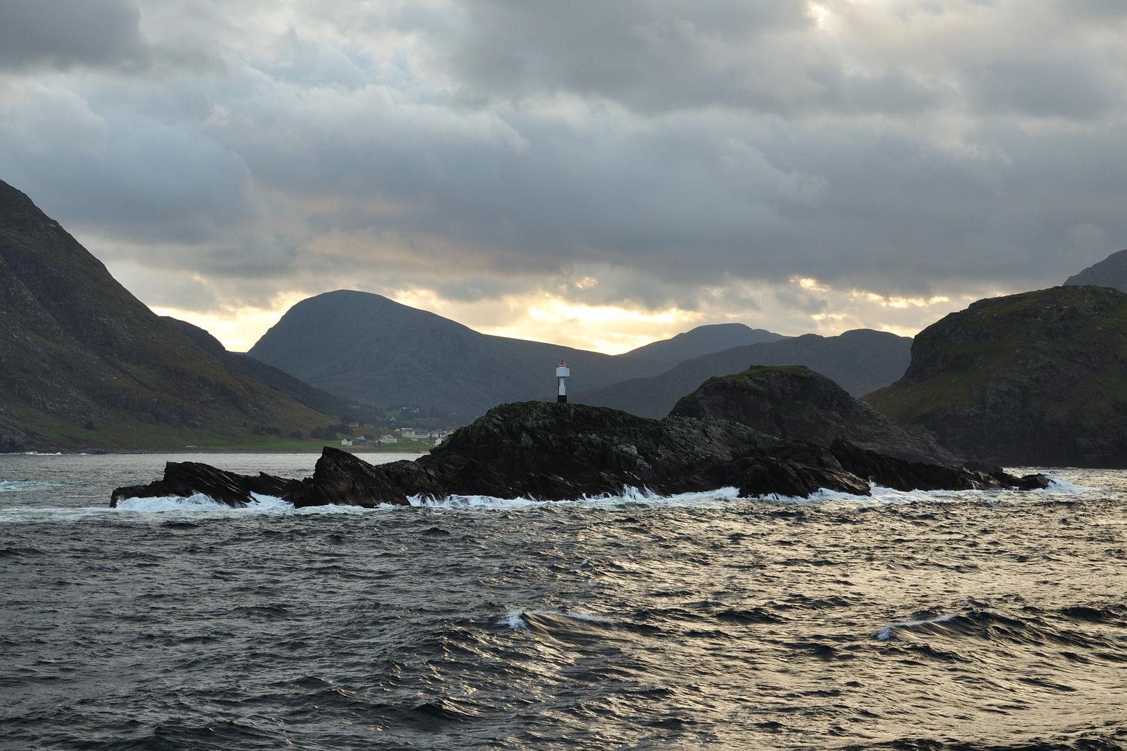 Kleiner Leuchtturm auf dem Weg nach Ålesund