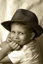 Kleiner Mann mit Hut
