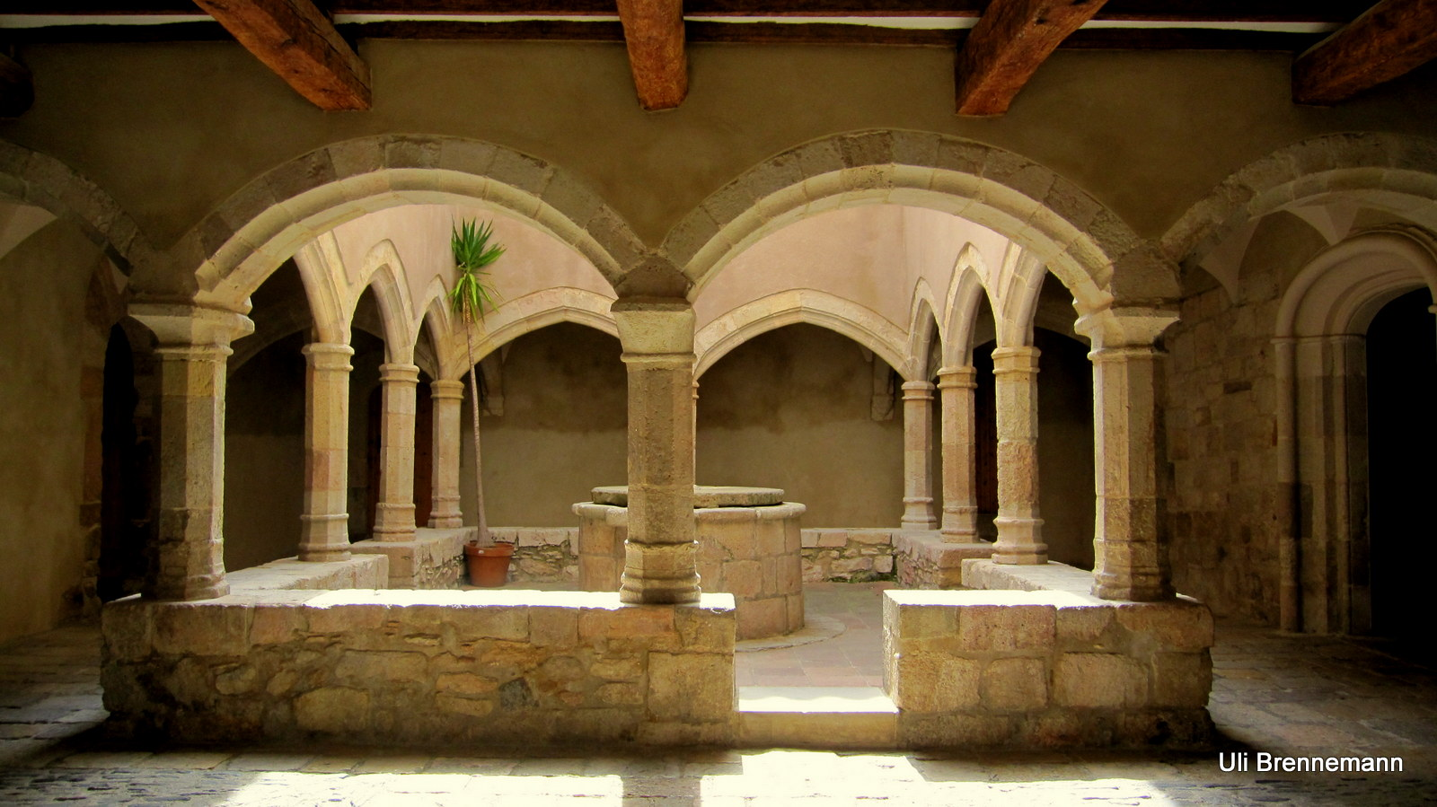 Kleiner romantischer Kreuzgang - Santes Creus (Tarragona)