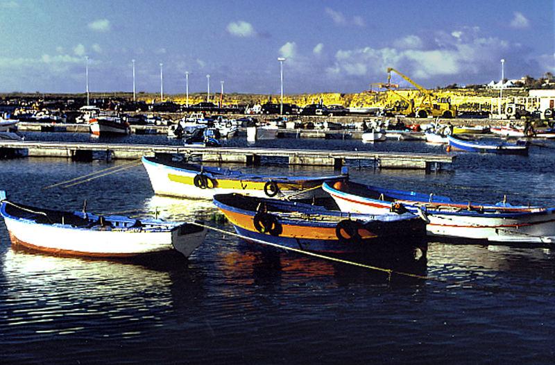 Kleiner Sport - u. Fischerhafen in Cinisi/Terrasini