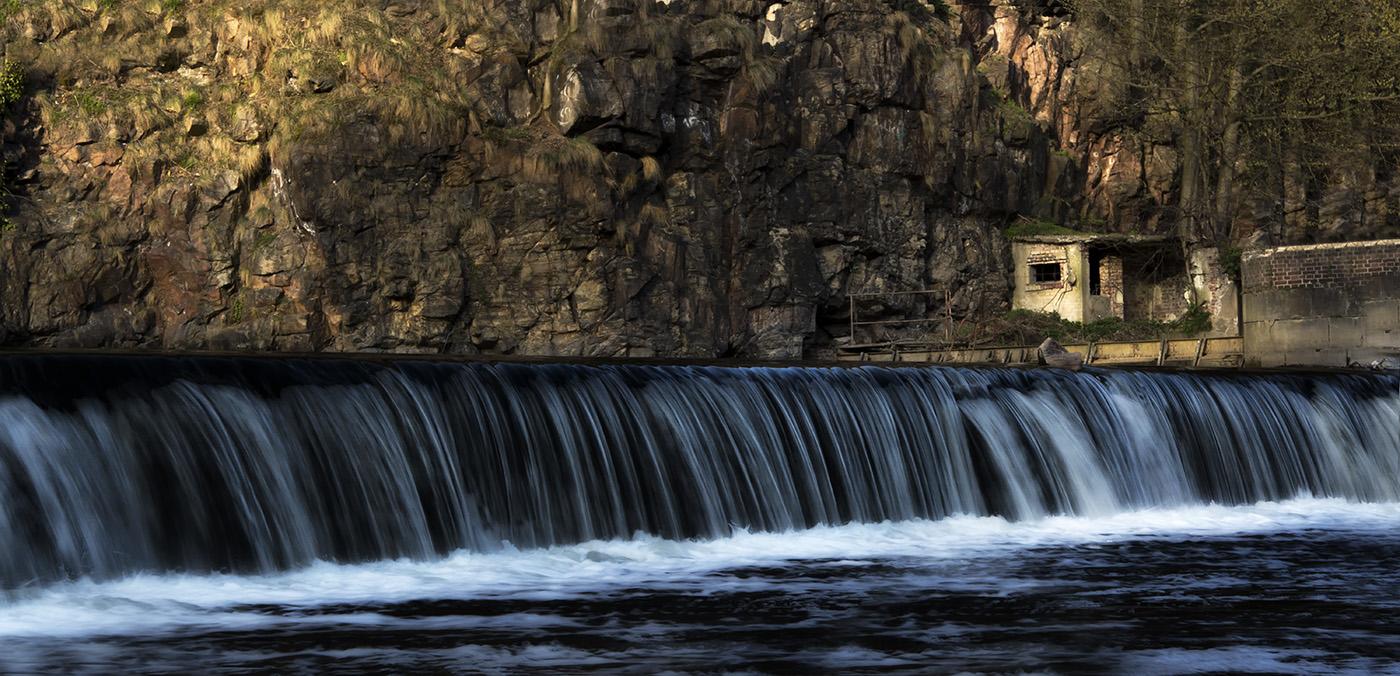 Kleiner Wasserfall bei der Burg Kriebstein