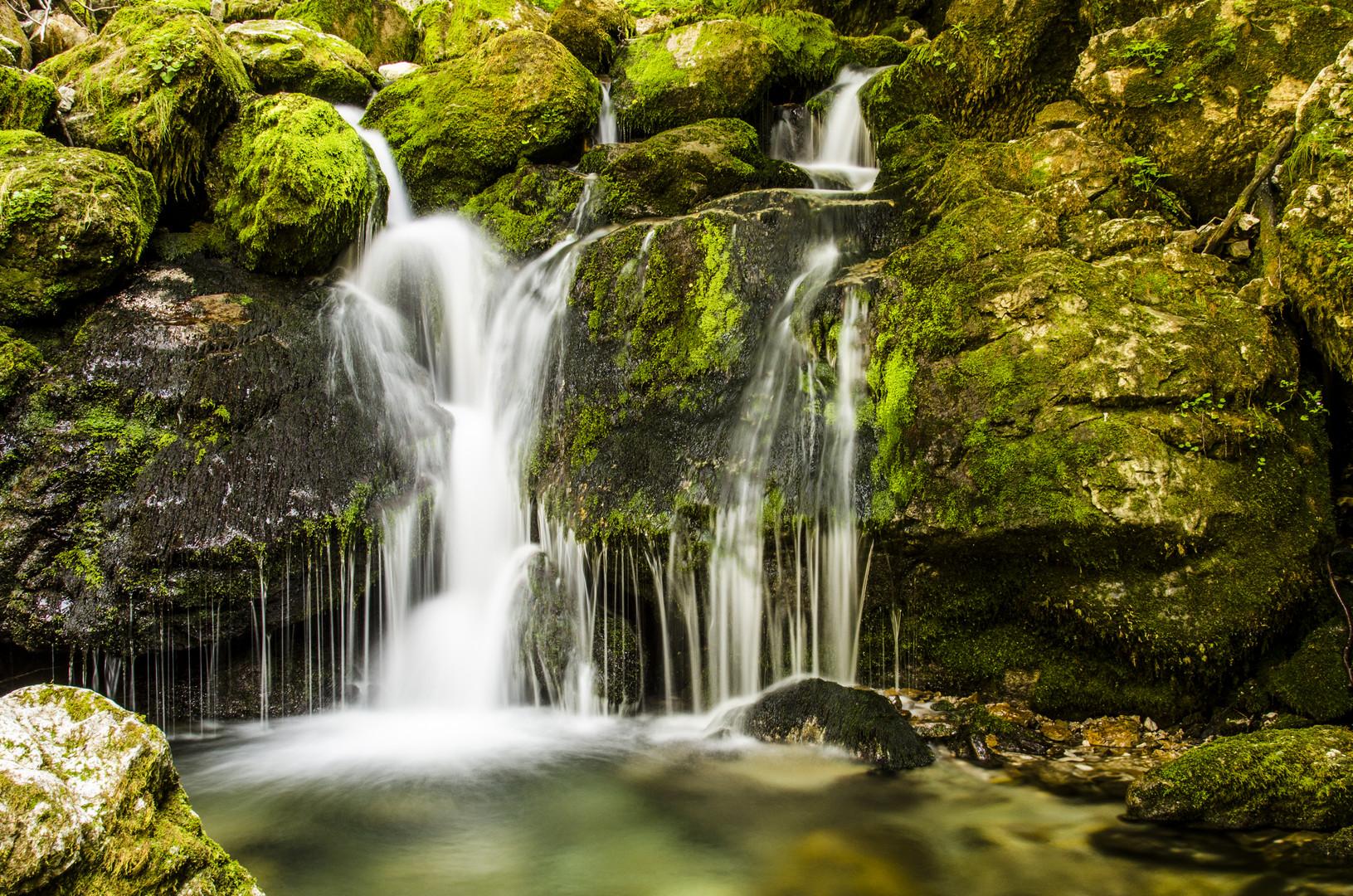 Kleiner Wasserfall im Alpstein