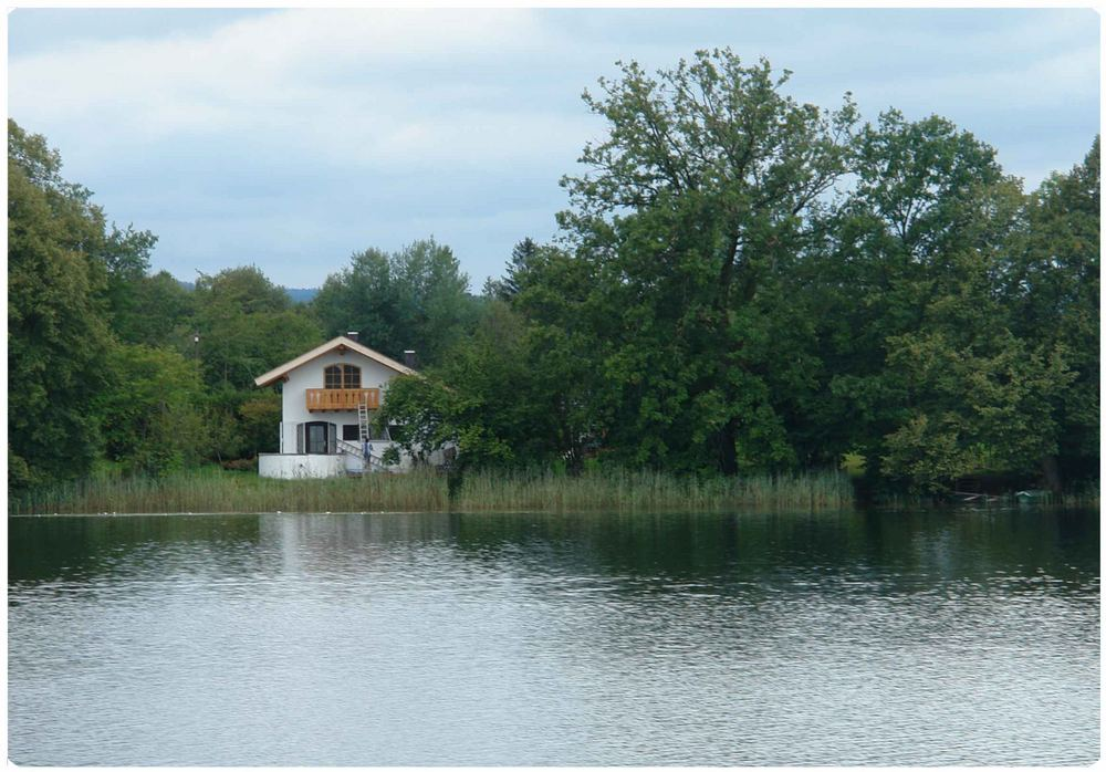 Traumhaus am see  kleines Haus am See, Foto & Bild | architektur, ländliche ...