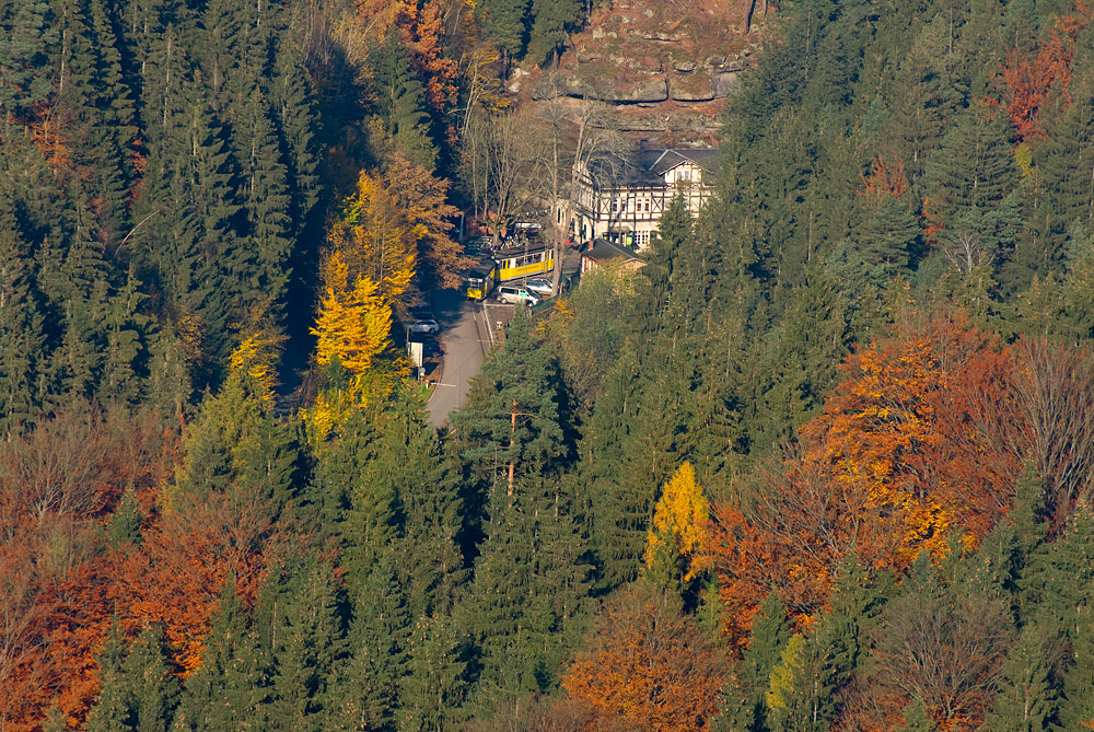Kleines Haus im Wald