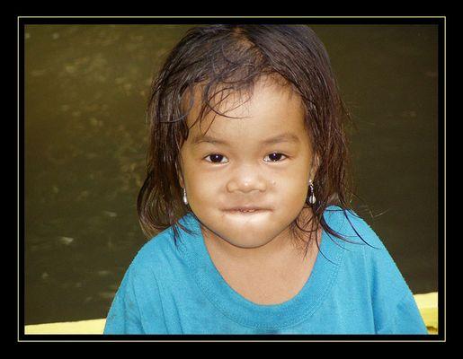 Kleines Iban-Mädchen