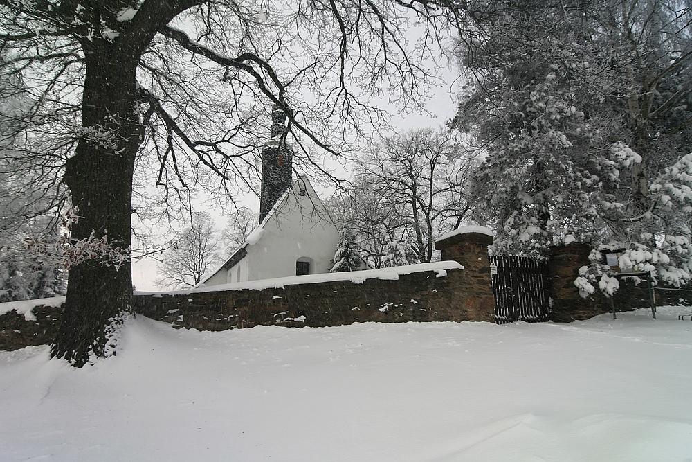 Kleines Kirchlein im Winter