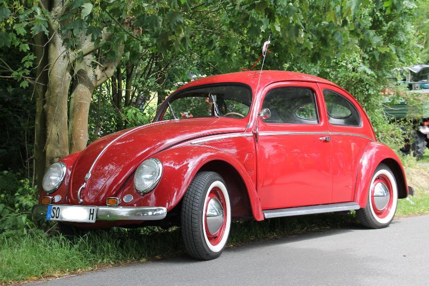 kleines rotes auto foto bild autos zweir der oldtimer youngtimer vw bilder auf. Black Bedroom Furniture Sets. Home Design Ideas