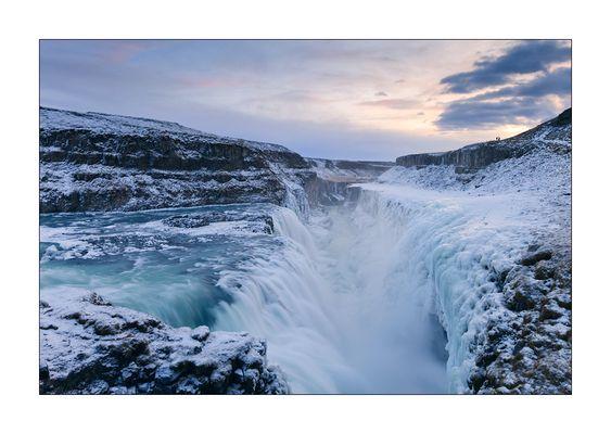 kleines rutschiges Abenteuer am gefrorenen Gullfoss