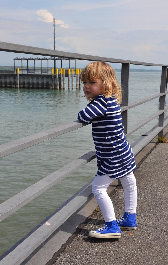 Kleinkind - Seeufer Friedrichshafen