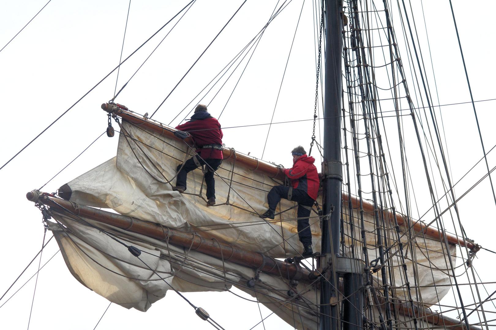 klettern in den Masten gesehen auf dem Hamburgerhafengeburtstag 825
