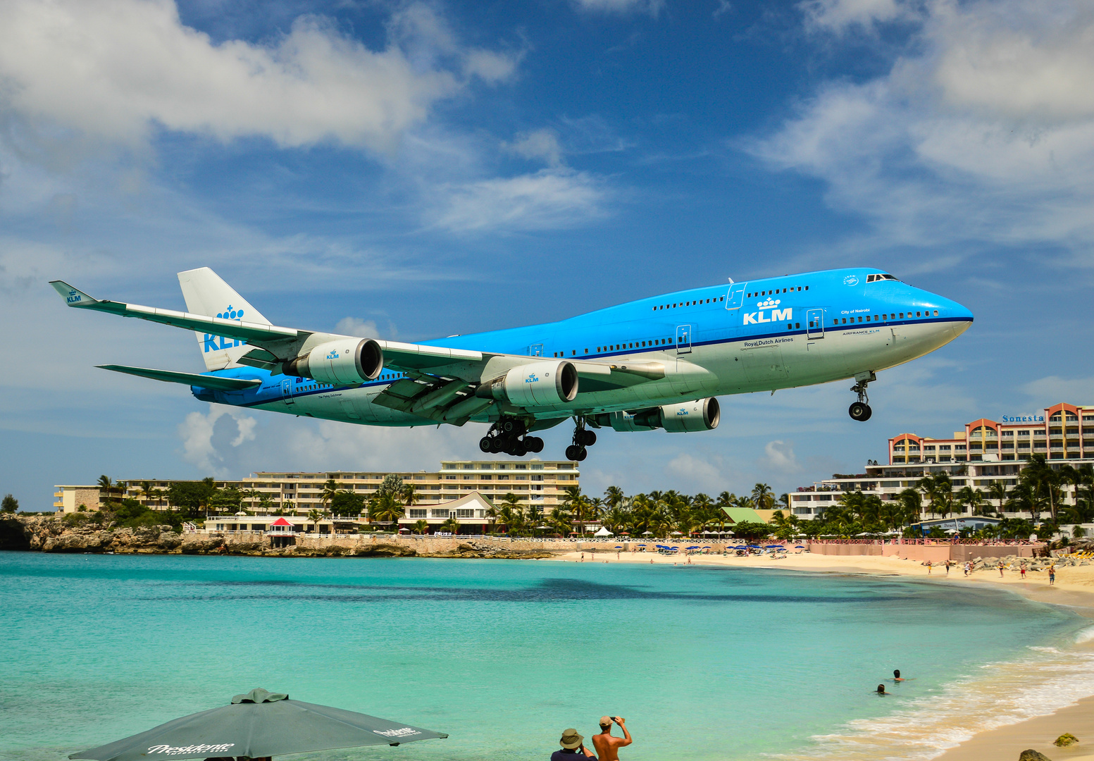 KLM 747 approaching SXM