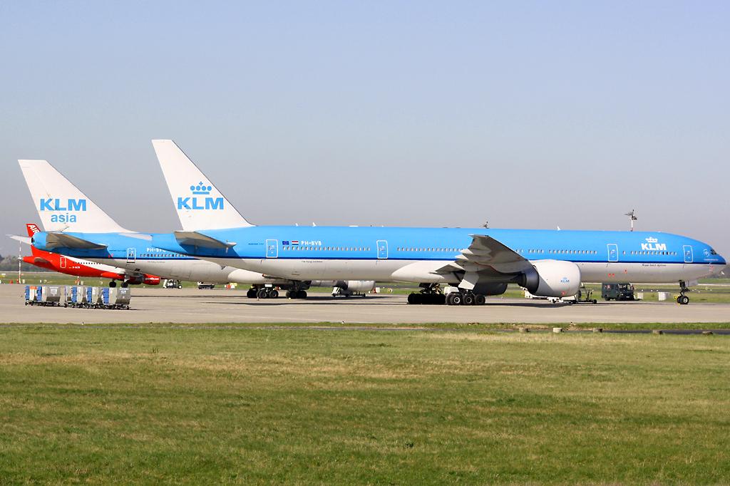 KLM B777-300 PH-BVB