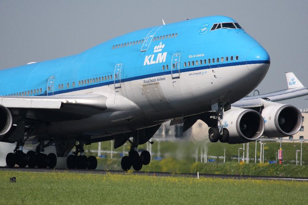 KLM Boeing 747 touchdown Amsterdam