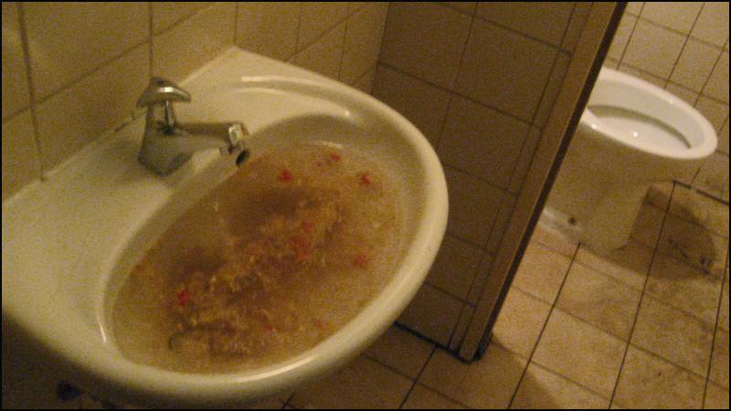 Klo? Hände waschen! Nein danke!!!