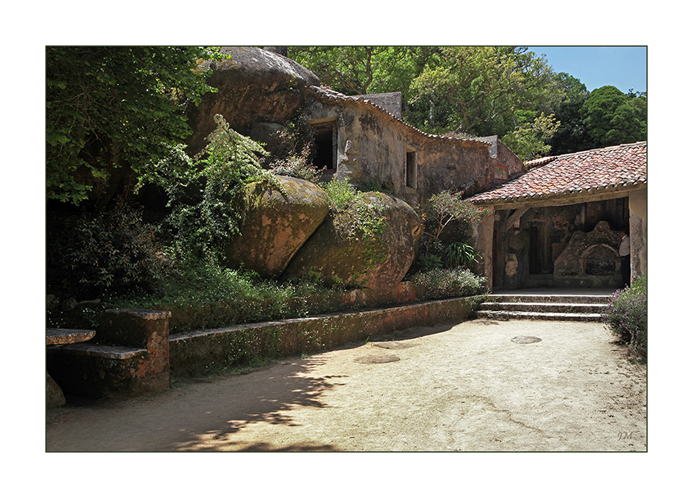 Kloster Capuchos in Sintra, Portugal 01