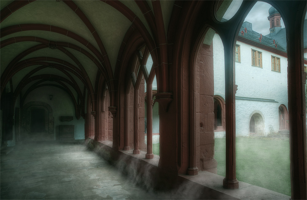 Kloster Eberbach im Nebel ....