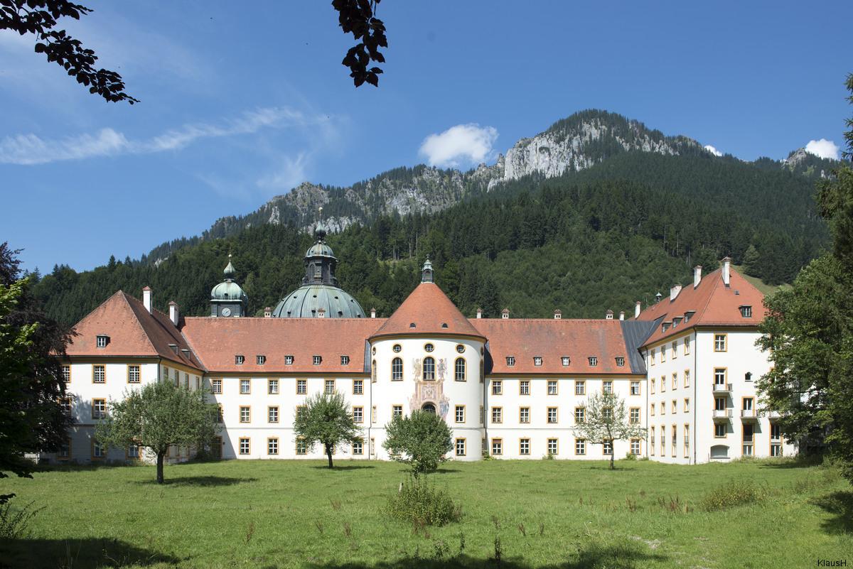 ~ Kloster Ettal (Seitenansicht) ~