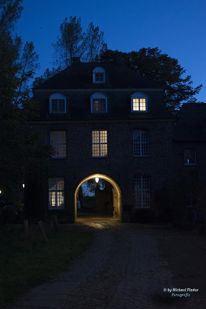 Kloster Graefenthal bei Nacht