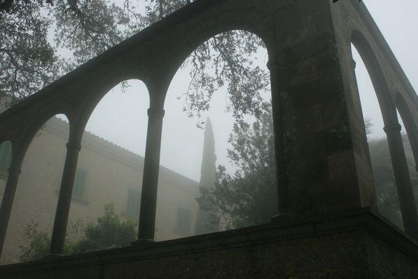 Kloster im Nebel