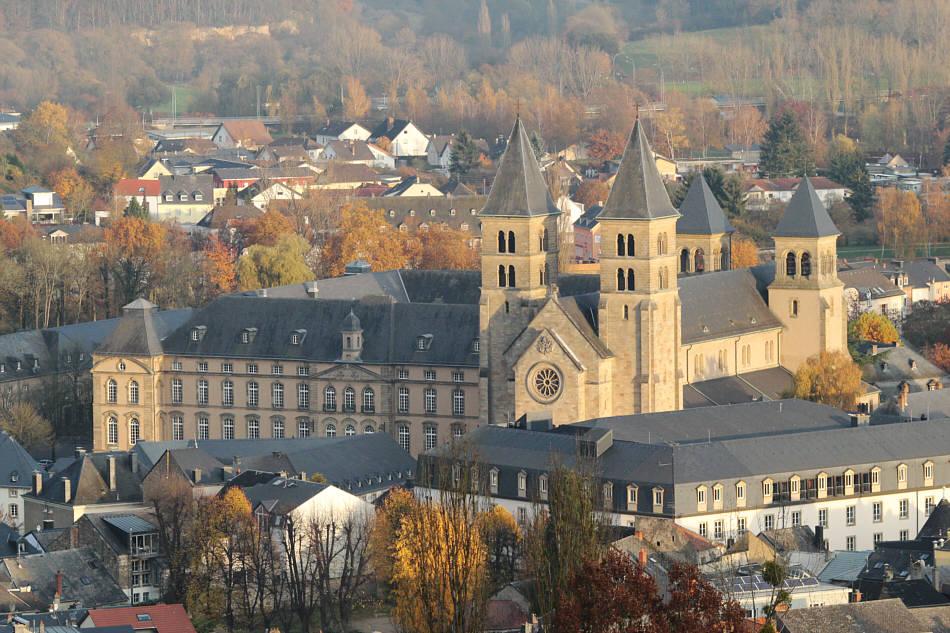Kloster im Novemberlicht
