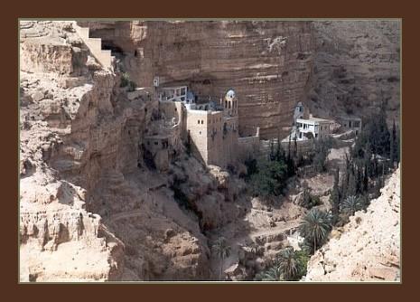 Kloster in der Wüste, groß