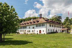 Kloster (jetzt Hotel) auf der St. Petersinsel
