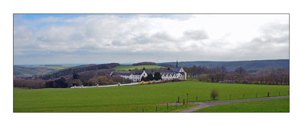 Kloster Mariawald im April